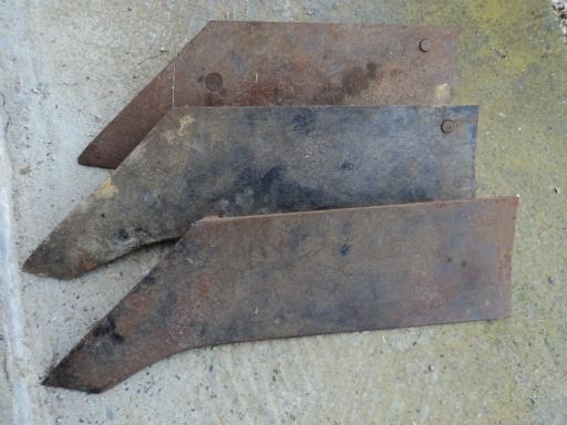 3 socs gauche charrue ancienne