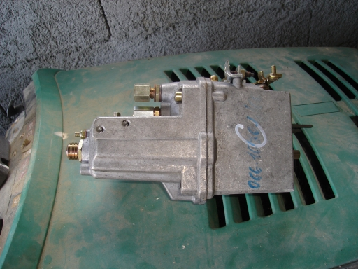 regulateur pompe injection pour tracteur LANBORGHINI